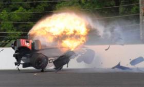 Poważny wypadek Bourdais w kwalifikacjach wyścigu Indianapolis [WIDEO]