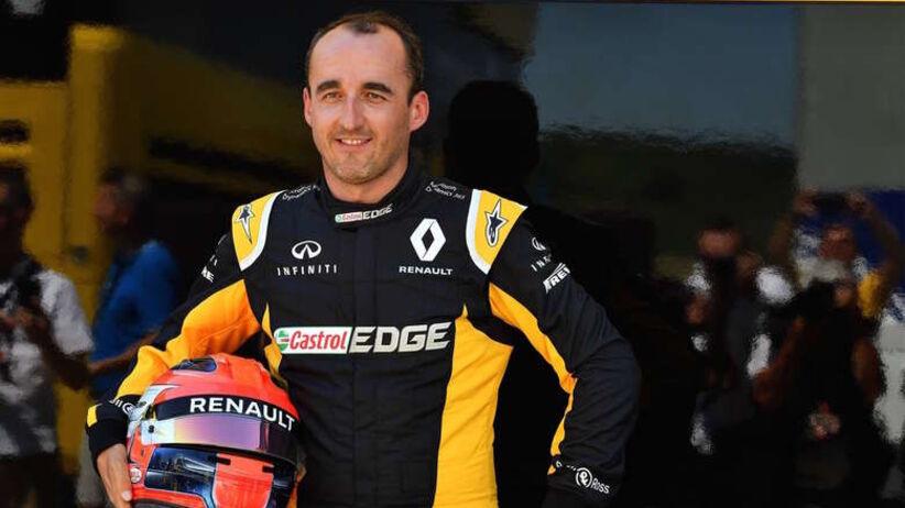 Kubica prowadzi bolid jedną ręką? Kierowca odpowiada
