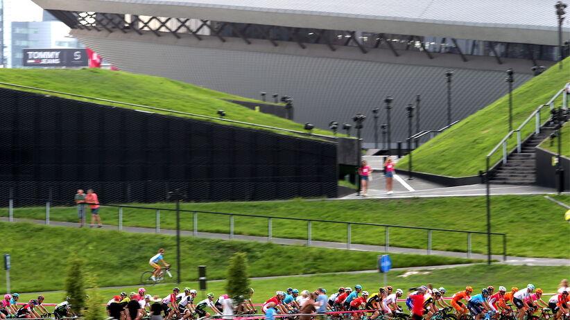 Tour de Pologne 2018: Skandaliczna pomyłka. Zawodnicy nie wjechali na trasę [WIDEO]