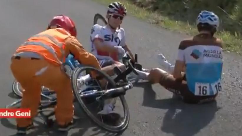 Vuelta a Espana: Wypadek Kwiatkowskiego. Simon Yates liderem [WIDEO]