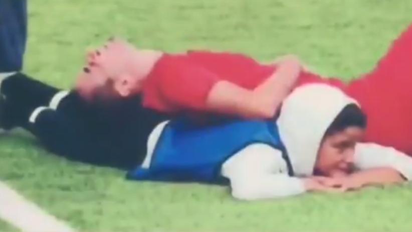 12-letni chłopiec od podawania piłek uratował życie piłkarzowi [WIDEO]