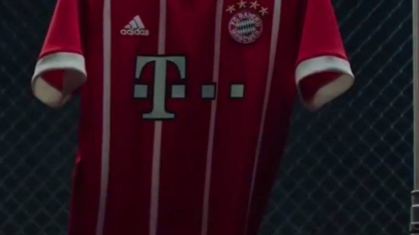 Bayern zaprezentował nowe stroje. Nawiązują do... [FOTO]