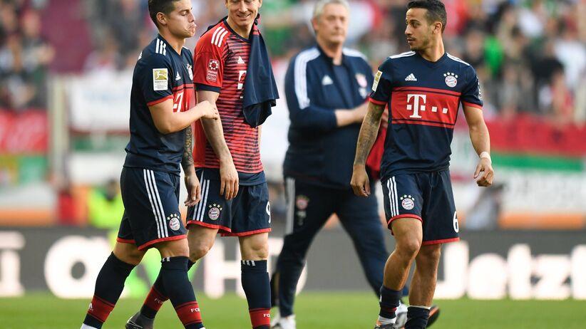 Robert Lewandowski z graczami Bayernu