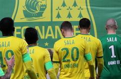 Kibice Nantes żegnają Emiliano Salę (6)