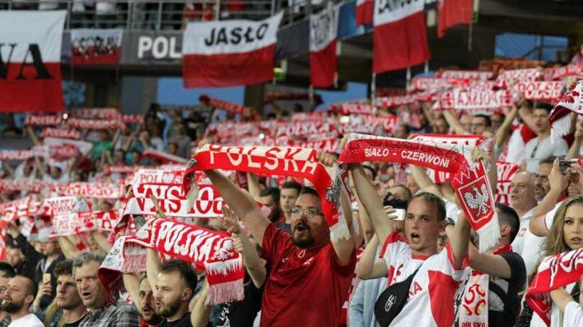 Dziekanowski krytykuje kibiców. NIE dla śpiewania hymnu w trakcie meczu