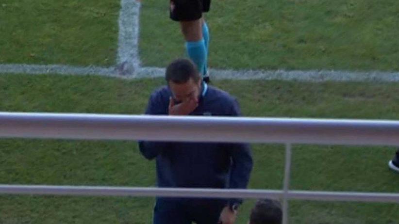 Dramat w trakcie meczu. Trener we łzach prosił o przerwanie gry