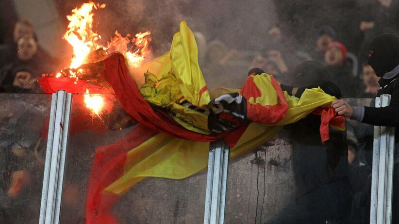 Wstrząsające zdjęcia ze stadionu Jagiellonii. Skandaliczne zachowanie kibiców Legii [FOTO]