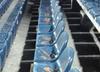 Druzgocące zdjęcie z Ekstraklasy. Kibice Pogoni wysmarowali krzesełka paprykarzem [FOTO]