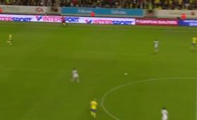 El. MŚ 2018: Lloris pogrążył Francję. Asysta przy golu z połowy boiska [WIDEO]