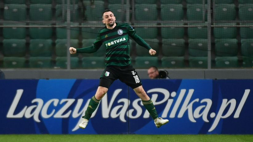 Michał Kucharczyk cieszy się z gola w półfinale PP