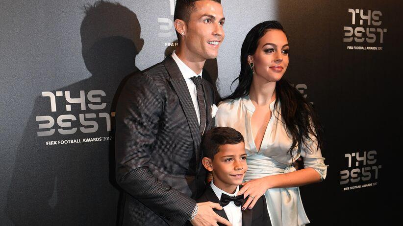 Ronaldo z dziewczyną w zaawansowanej ciąży na gali FIFA [ZDJĘCIA]