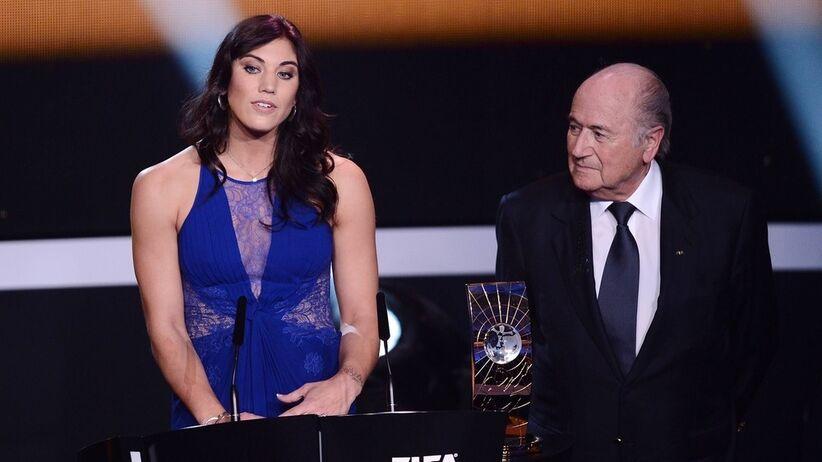 Hope Solo i Sepp Blatter