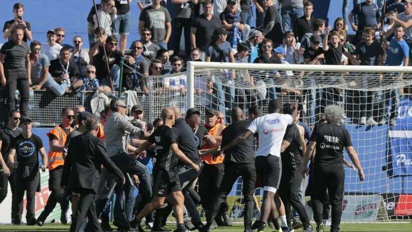 Dożywotni zakaz stadionowy za... obsikanie rywali
