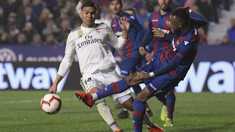 Kontrowersyjny karny uratował Real w meczu z Levante