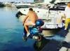 Skuterem wjechał do morza na prośbę Balotelliego