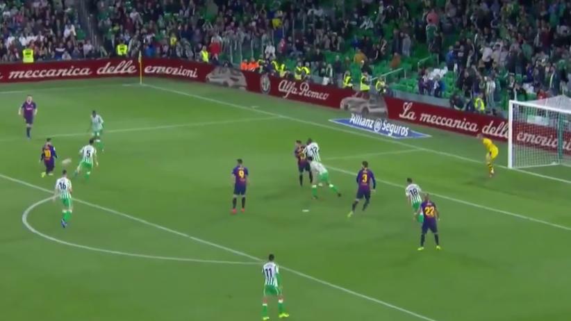 Messi gol w meczu Betis - Barcelona