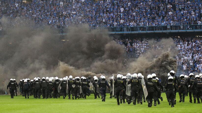 Zamieszki na meczu Lech - Legia