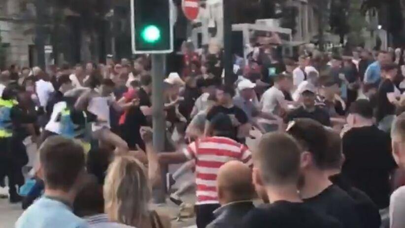 Zamieszki angielskich kibiców z policją w Porto