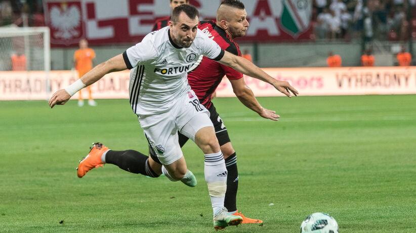 Spartak - Legia: Słowacy pomalowali boisko zieloną farbą? [ZDJĘCIA]