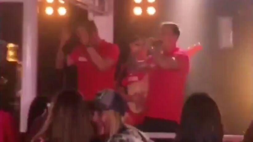 Kamil Grosicki śpiewa z Lady Pank