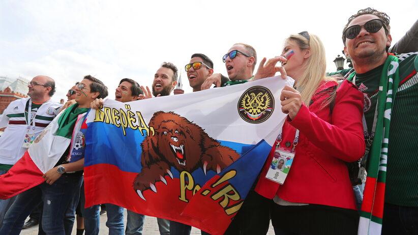 Rosyjska deputowana namawia obywateli, by unikali seksu z kibicami z innych krajów