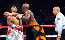 Victor Ortiz vs Floyd Mayweather Jr
