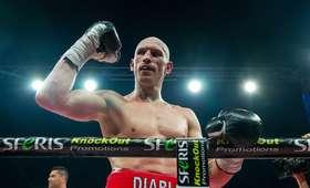 Krzysztof Włodarczyk wygrał walkę wieczoru na gali w Łomży
