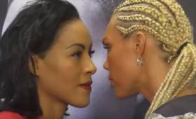 Pocałowała rywalkę podczas tzw. face to face [WIDEO]