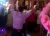 Kamil Stoch tańczy na weselu Kubackiego