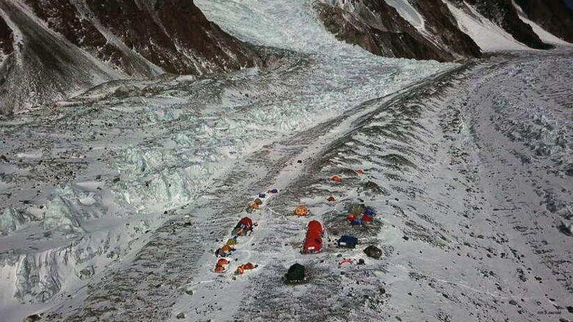 Wyprawa na K2 – Denis Urubko może mieć problem z zejściem? [NOWE FAKTY]