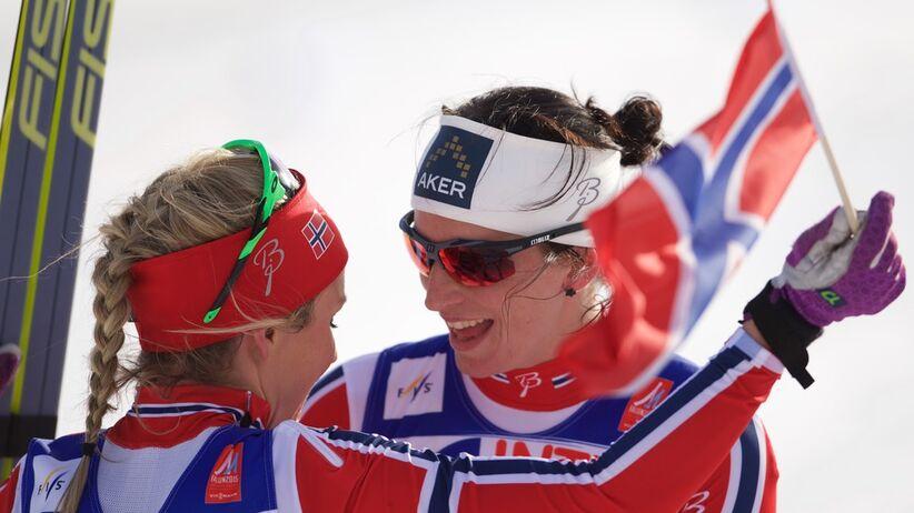 Marit Bjoergen i Therese Johaug