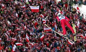 PŚ w skokach narciarskich w Zakopanem: Kiedy i o której konkursy? [PROGRAM]