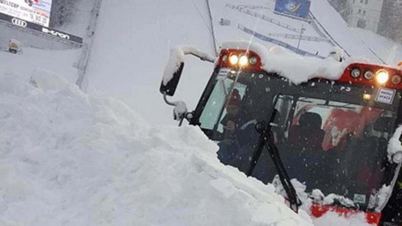 Skoki w Bischofshofen zagrożone! Pogodowy kataklizm na skoczni [FOTO]