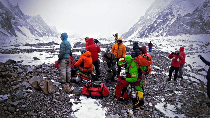 Wyprawa na K2: Ekipa ratunkowa z Nanga Parbat ma spory problem