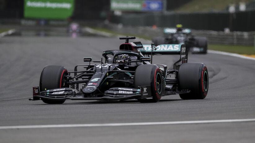 Kolejne pole position w karierze Lewisa Hamiltona