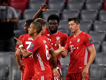 Dwa gole i dwie asysty Lewandowskiego, Bayern w ćwierćfinale LM