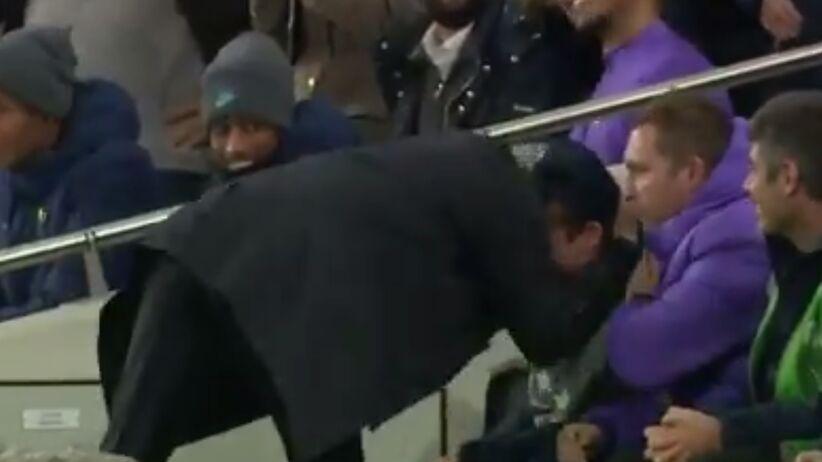 Jose Mourinho wyściskał chłopca do podawania piłek