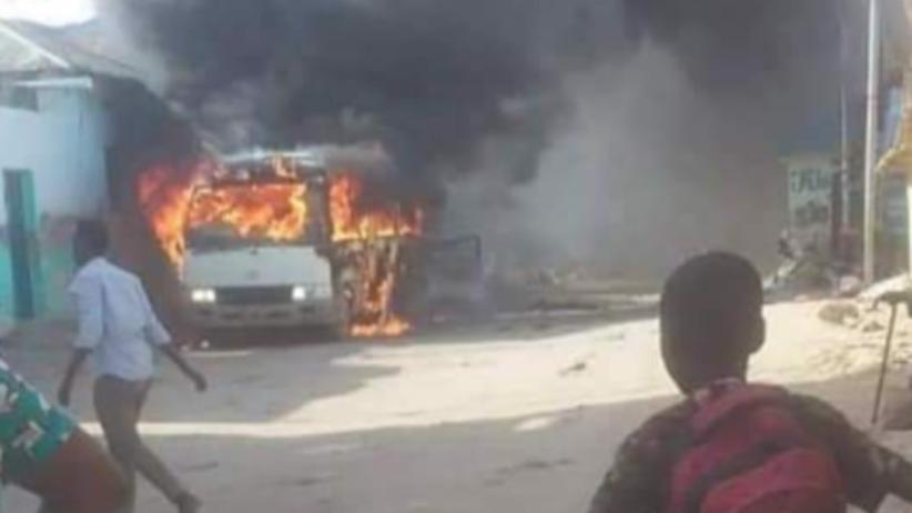 Terroryści zaatakowali somalijskich piłkarzy. Zdetonowali bombę w ich autobusie