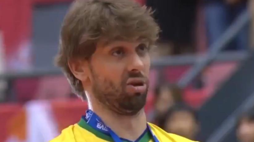 Lucas Saatkamp pijany na ceremonii medalowej PŚ