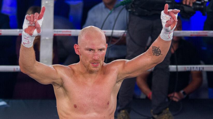 Krzysztof Włodarczyk pokonał Mabikę