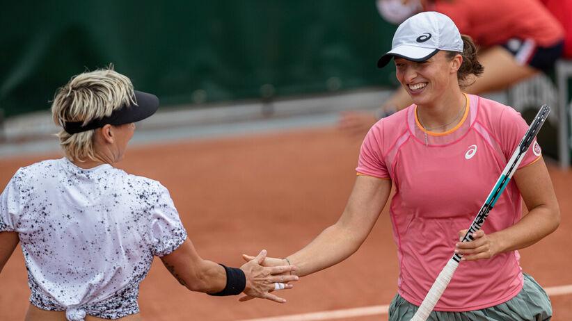 Iga Świątek w ćwierćfinale debla French Open: Relacja live i wynik online meczu