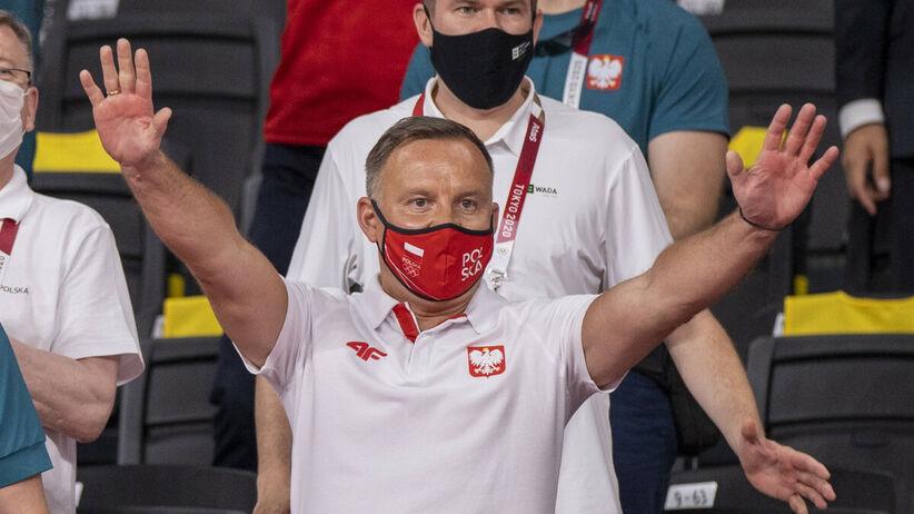 Andrzej Duda dostrzegł medal wioślarek