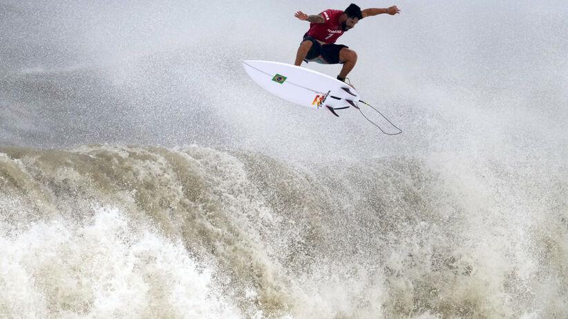 Italo Ferreira - Tokio 2020. Piękny gest mistrza olimpijskiego. Za pieniądze z nagród kupił rodzicom dom